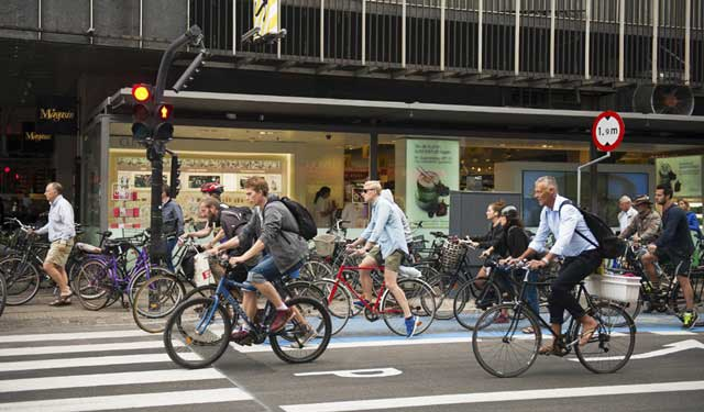 ปั่นจักรยานไปทำงาน วันสิ่งแวดล้อมโลก