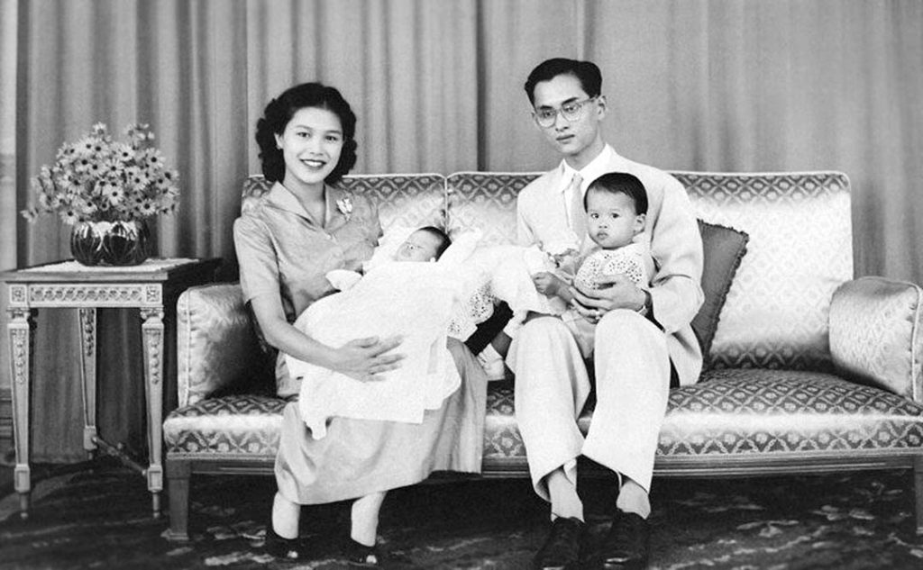 Long-Live-Her-Majesty-Queen-Sirikit-b