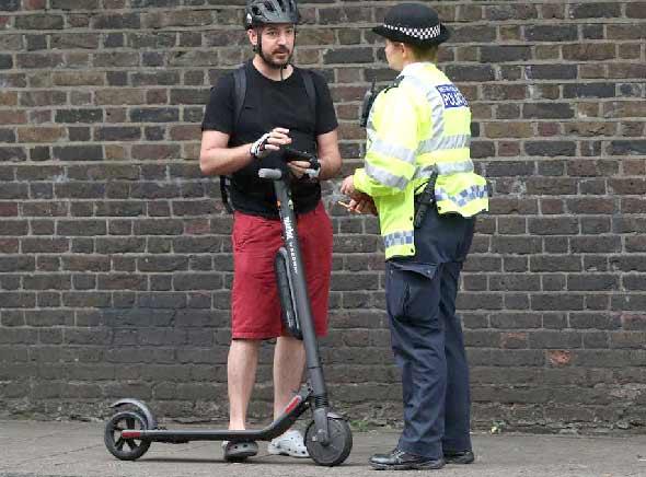 E-scooter ผิดกฎหมาย ในสหราชอาณาจักร